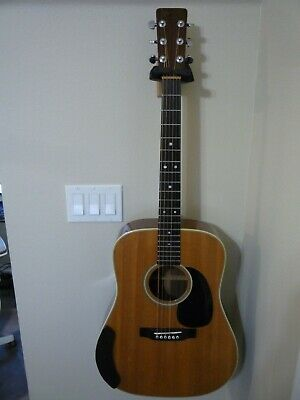 1975 Martin D-28 Guitar  Wonderful tones with Original Case