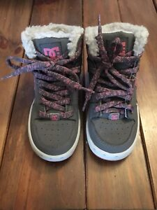 Girls DC Winter shoes size 13 ***SPPU***