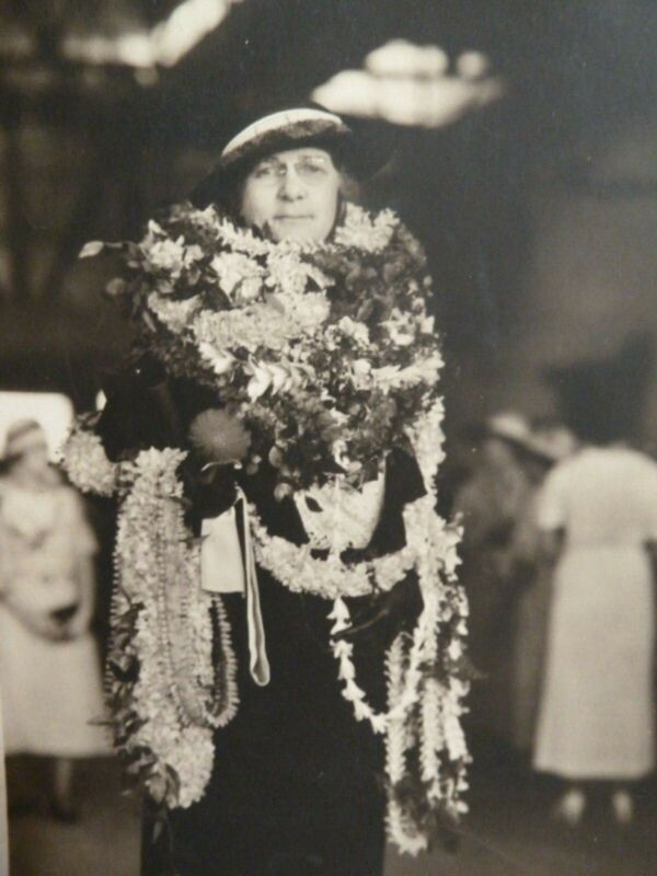 Photo Woman Wearing Hawaiian Lei Maude Schaeffer Kamehameha Schools 1935 Hawaii