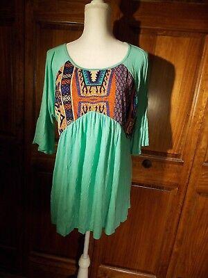 Vision Sz L Green Peasant T Shirt Blouse W Tribal Print Bib
