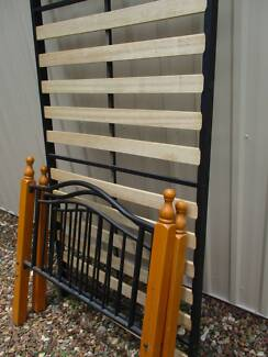 bed slat base and headboard - single Beerwah Caloundra Area Preview