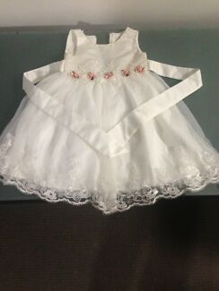 6 baby dresses sizes 1 to 2 year old