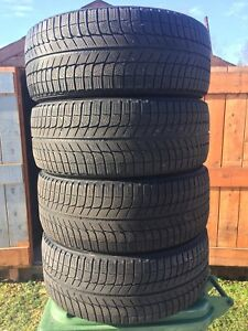 p235/55/17 inch Michelin Winter Tires / GOOD TREAD