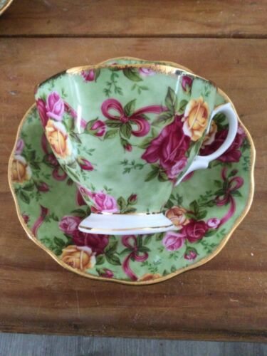 Royal Albert Old Country Roses Chintz Collection Ruby Celebration Green Chintz