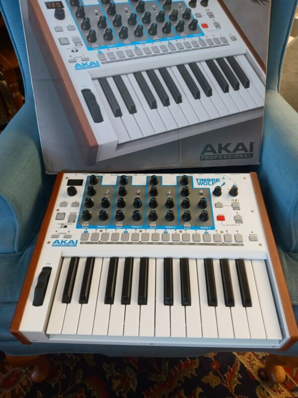 Akai Timbre Wolf synthesizer sequencer