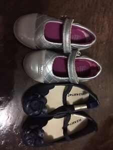 Clarks leather toddler silver grey shoes 4.5 old navy size 6