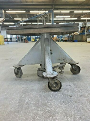 "Lange Hydraulic Lift Table, Manual, 30"" X 30"", 5000 Lbs Capacity, 18"" Stroke"