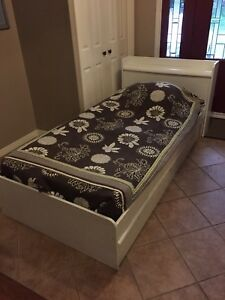Captains Bed with 3 Drawers and Headboard