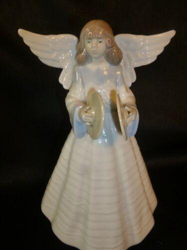 LLADRO - ANGELIC CYMBALIST #5876- MINT - NO BOX