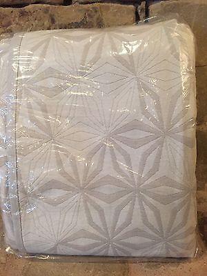 Rare West Elm Organic Cotton Star Matelasse Full Queen Duvet Stone White Gray