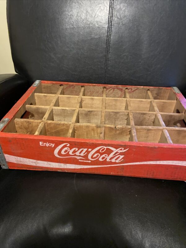 🔴Vintage Coca Cola Red Wood Crate With Wooden Dividers For 24 Spaces 1970s?