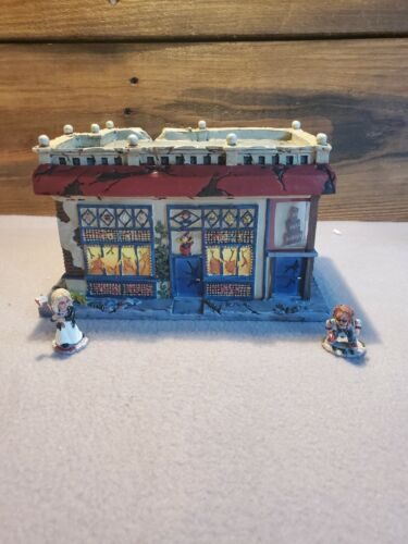 """HAWTHORNE VILLAGE BRIDE OF CHUCKY """"TOY STORE"""" WITH FIGURINES """"CHUCKY"""" & """"TIFFANY"""