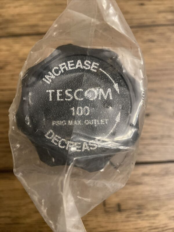 TESCOM 44-2212-242 PRESSURE REDUCING REGULATOR, DIAPHRAGM SENSED, BRASS, 400 PSI