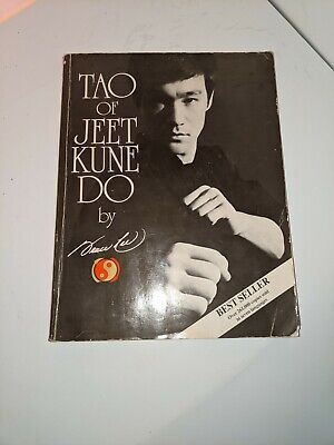 Tao of Jeet Kune Do by Bruce Lee Paperback