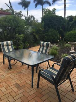 Outdoor Table And Chairs Part 97