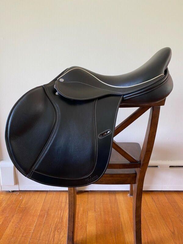 Frank Baines Edessa, black jump saddle, 17in seat, MW tree