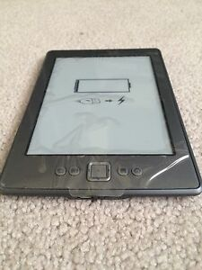 IN BOX AMAZON KINDLE with CASE and CHARGING CABLEl Cambridge Kitchener Area image 5