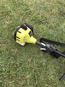 RYOBI straight shaft whipper snipper line trimmer