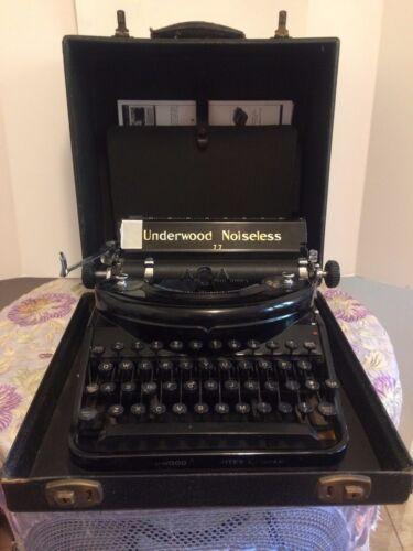Antique Underwood Noiseless Portable 77 Typewriter In Case