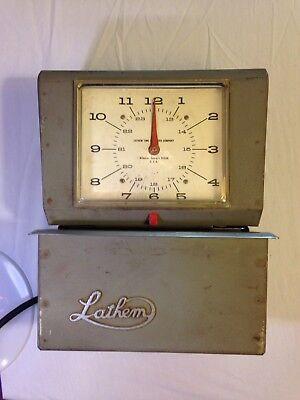 Lathem 4006 Automatic Time Clock Mon Day 0-23hrs Hundredths Wribbon 2 Keys