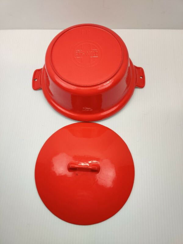 Griswold Red Enamel Cast Iron #68 Casserole with Cream Interior & #68C Lid