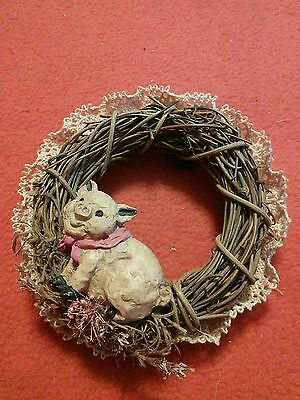Pig Wreath Magnet - very cute