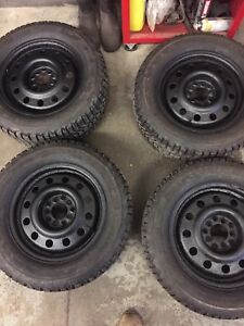 Set of 4 winter tires great shape 215 60r 15