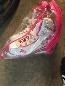 Size 3 girls skates in excellent condition