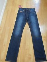 RM WIlliams mens  longhorn jeans.size 28L. brand new