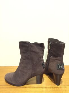 old johnny ugg boots - high heels - women's size 7