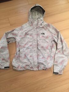 SZ SMALL NORTH FACE WOMENS FALL JACKET NEW CONDITION