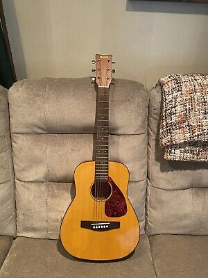 YAMAHA FG-Junior JR-1 Natural Acoustic Guitar