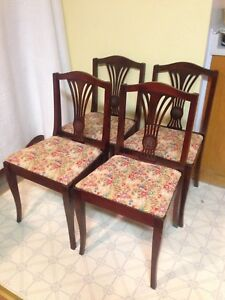 Nice Set Of 4 Antique Duncan Phyfe Chairs In Excellent Condition