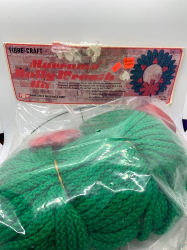 """Vintage Fibre-Craft Macramè Holly Wreath Kit NOS 1981 17.5"""" 2549 NEW"""