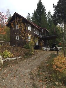 House for rent in Anglemont, BC