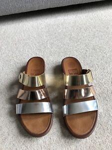 FITFLOP - Gold/Silver/Bronze Metallic Leather Gladdie Slide Sandals - UK6