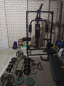 Complete Home Gym, 85kg+ weights, bench and more Durack Brisbane South West Preview