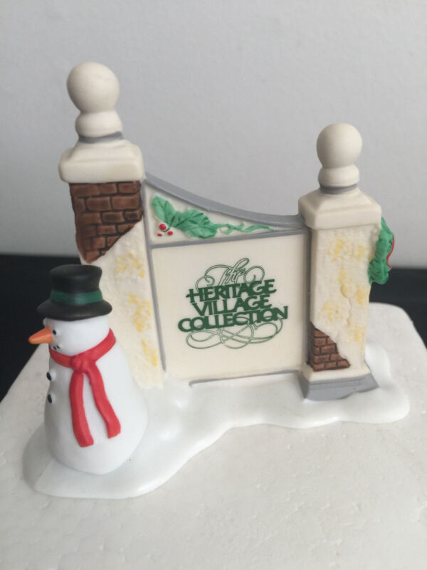 Dept 56 Heritage Village Collection Village Sign With Snowman  Retired 5572-7