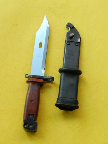 UNIQUE (POLAND ?) * Wire cutter  BAYONET /SCABBARD  -- MATCHING NUMBERS