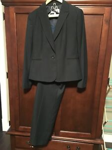 Women's 3 Piece Jones New York Size 6 Suit