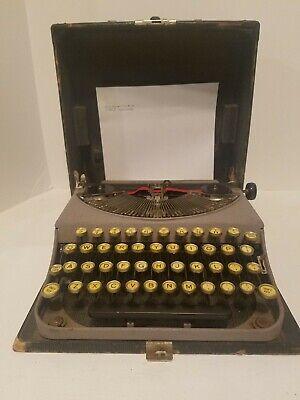 Vintage 1930's Remington Portable Typewriter -Display, Working