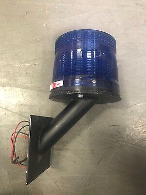 Whelen Blue Strobe Safety Light On Wall Mount Model Etl012 Led Beacon 12.8 Vdc