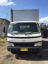 2004 hino Dutro U414 pantech removlist truck GVM 7500 5speed manual Austral Liverpool Area Preview