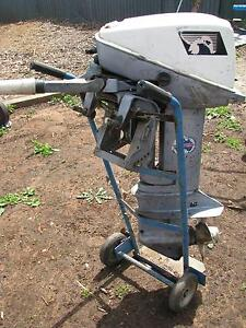 OUTBOARD  MOTOR SEAGULL 15 HP Enfield Port Adelaide Area Preview