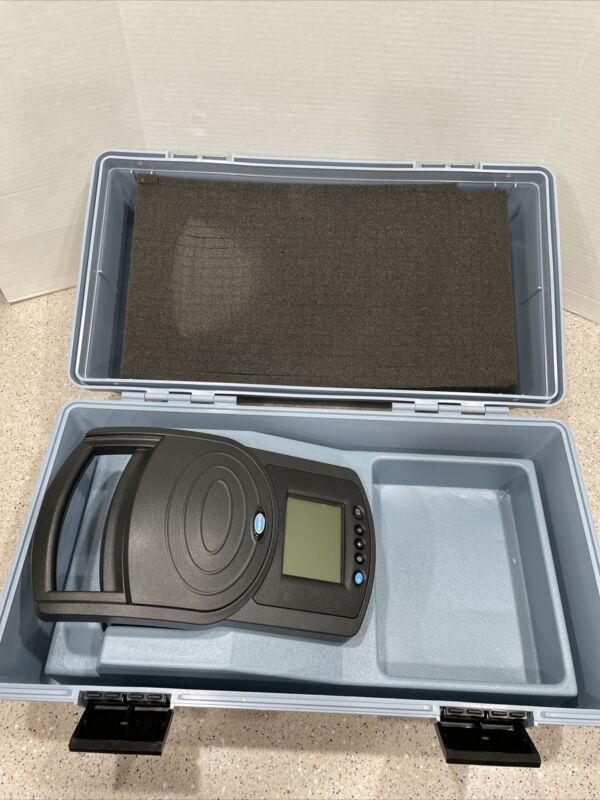 Hach DREL/2400 Spectrophotometer DR/2400 59400-60 W/ Case   DR 2400 *Excellent*