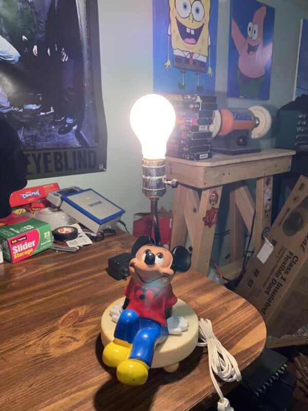 Vintage 1981 MICKEY MOUSE LAMP working condition Walt Disney Productions