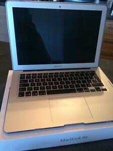 """MacBook Air 13"""" - comme neuf/like brand new"""