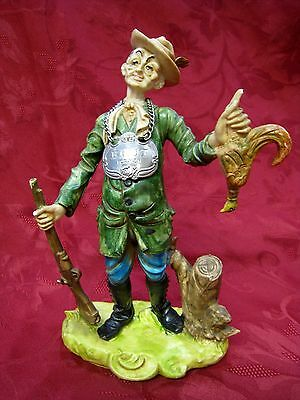 CAPODIMONTE STANDING HUNTER WITH GUN AND BIRD RARE FIGURINE ITALY