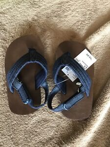BNWT Toddler Boys sandals - size 6-7