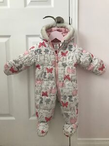 Carters baby girl snowsuit size 6-9 months in perfect condition
